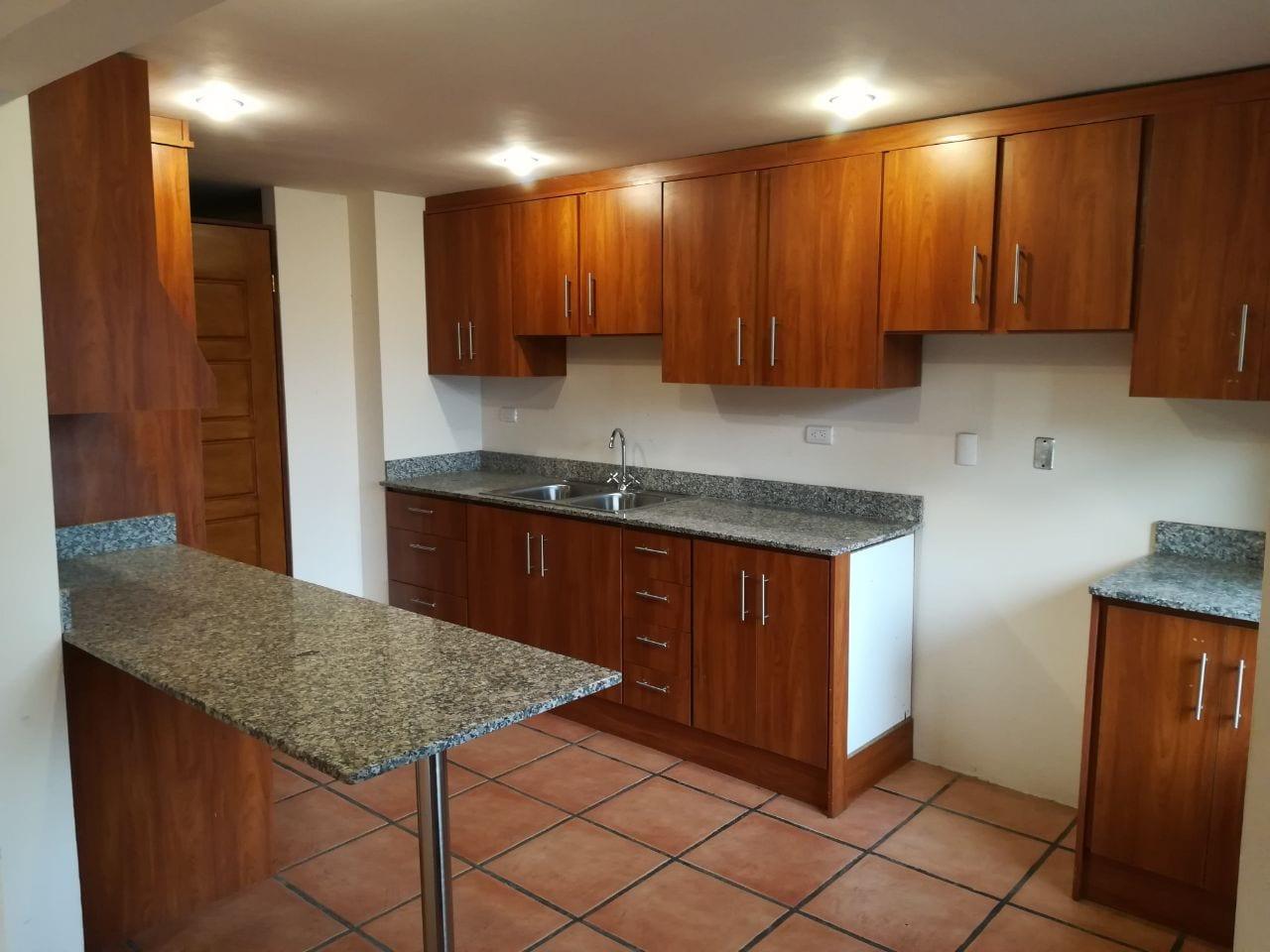 Amplio Apartamento en Río Oro, Santa Ana