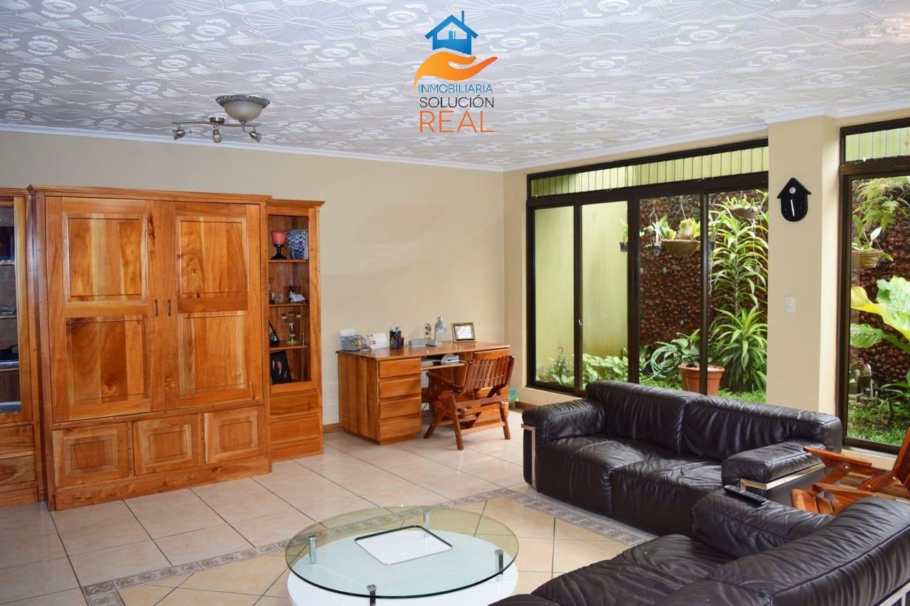 Venta de Casa en Santa Lucia de Barva, Heredia 5 Dormitorios