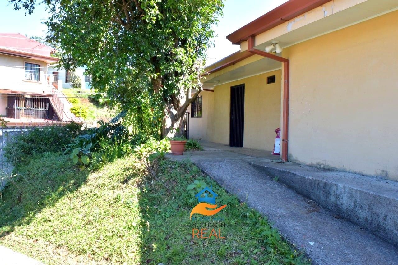 Venta de Casa San Josecito de San Rafel, Heredia Amplio Lote para Apartamentos