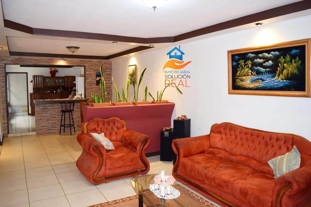 Venta de Casa en Barva de Heredia con Apartamento