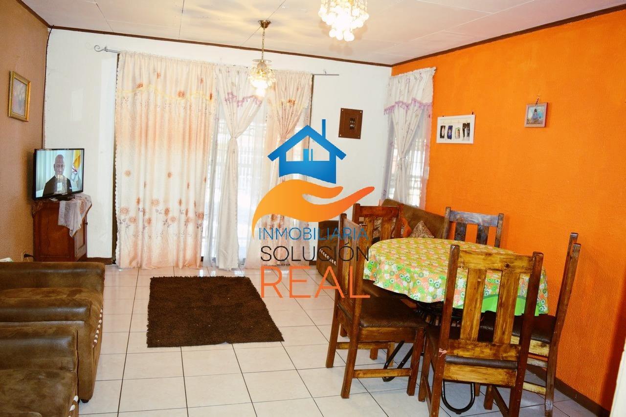 Se Vende Casa, a 5 min. de la UNA, en San Josecito de San Rafael de Heredia