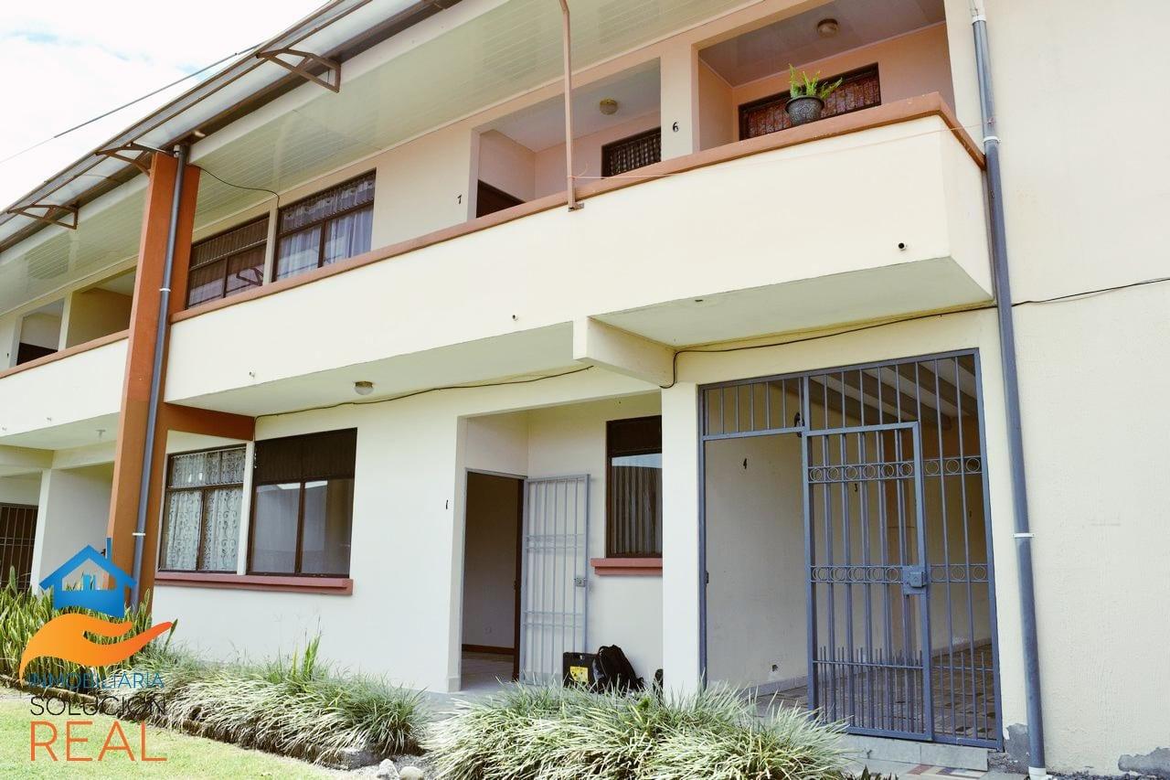 Se Alquila Apartamento primer piso, 1 parqueo, Mercedes Norte, Residencial El Pino